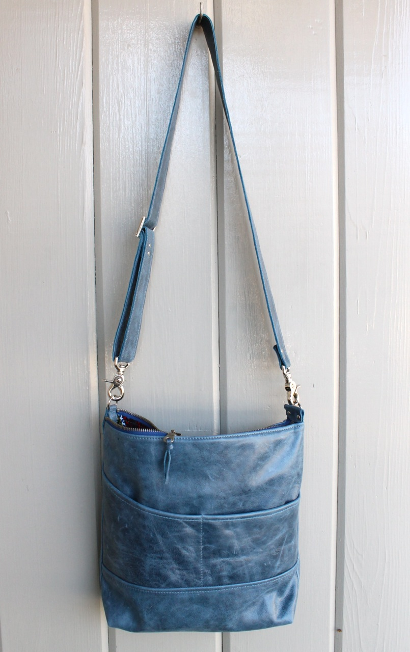 Luna in blue distressed