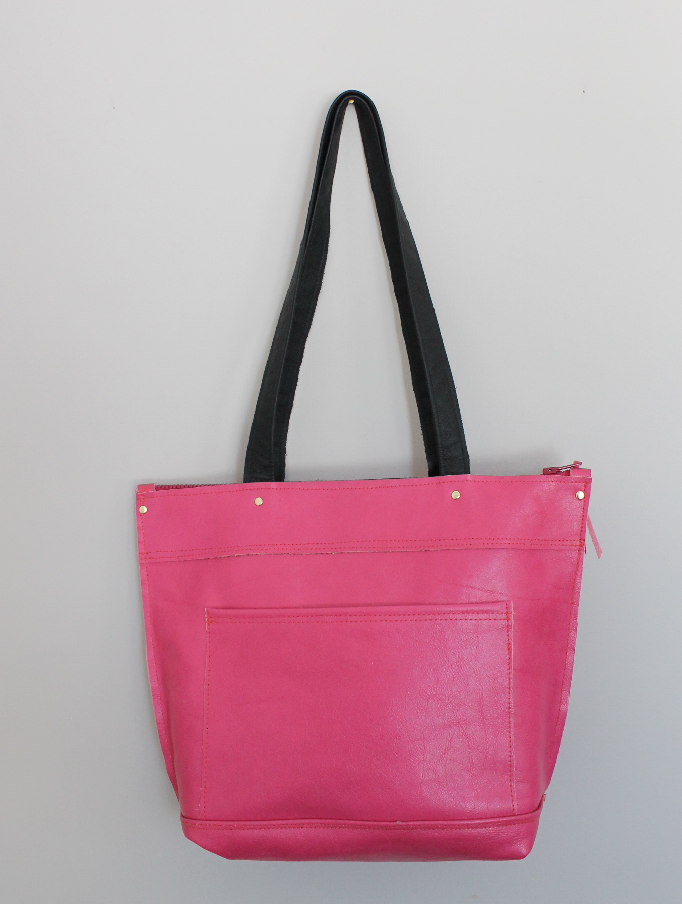 Bubble gum rough tote 1