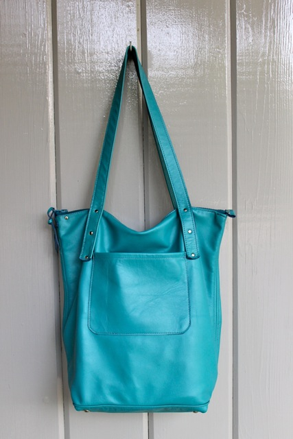 georgian tote hanging