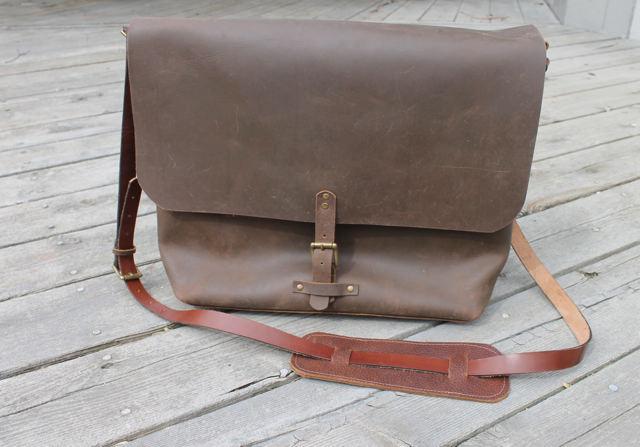 leather laptopbag