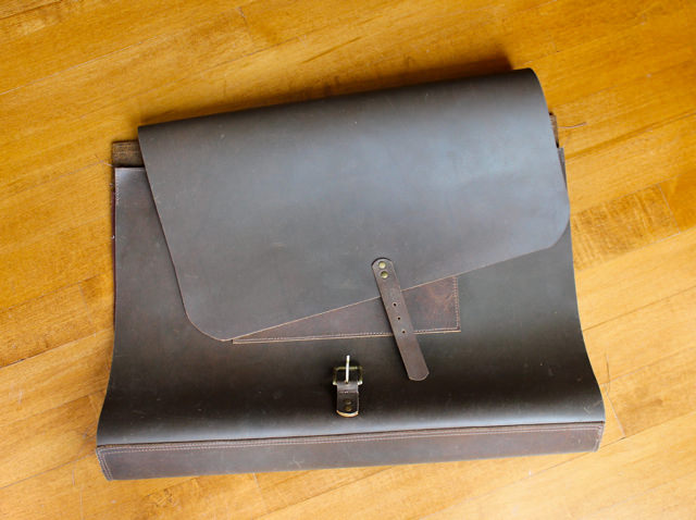 leather messenger bag 1